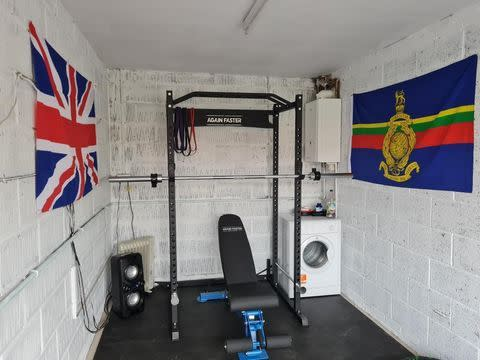 Garage Home Gym in with Washing Machine in the Room